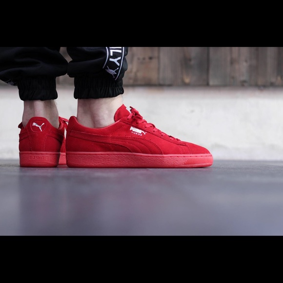 the best attitude 922be fc466 Suede Classic Mono Ref Iced Red PUMA NWT